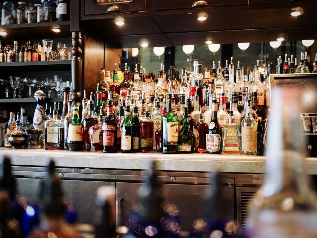Come organizzare un pub crawl: scegli i drink giusti.