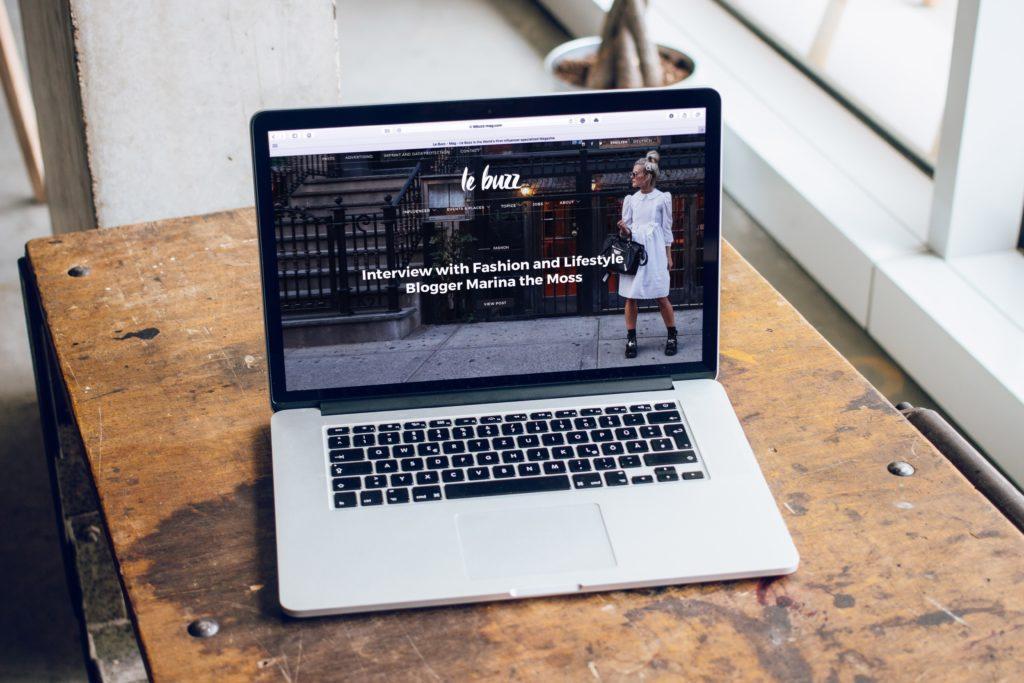 Design sito web per un evento: scegliete un font unico per il titolo dell'evento e un font leggibile per info più importanti.