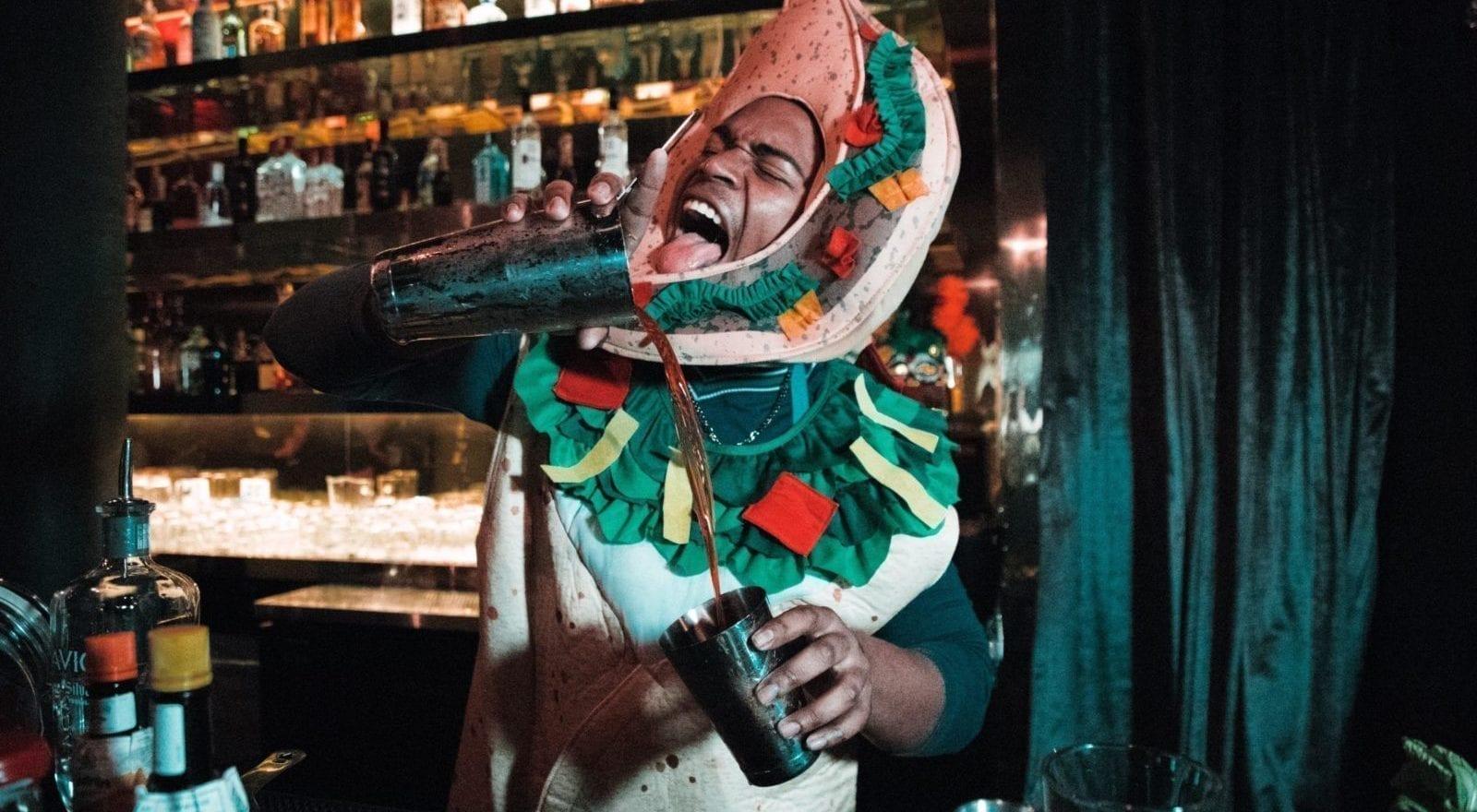 Cosa Organizzare In Un Bar come organizzare un pub crawl di cui non si ricorderà